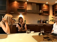 Sex games get started inside the kitchen by a nasty doxy